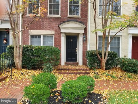 Photo of 4332 N Henderson Rd, Arlington, VA 22203