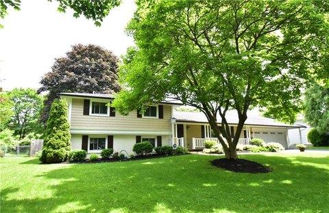 384 Grosvenor Rd, Rochester, NY 14610