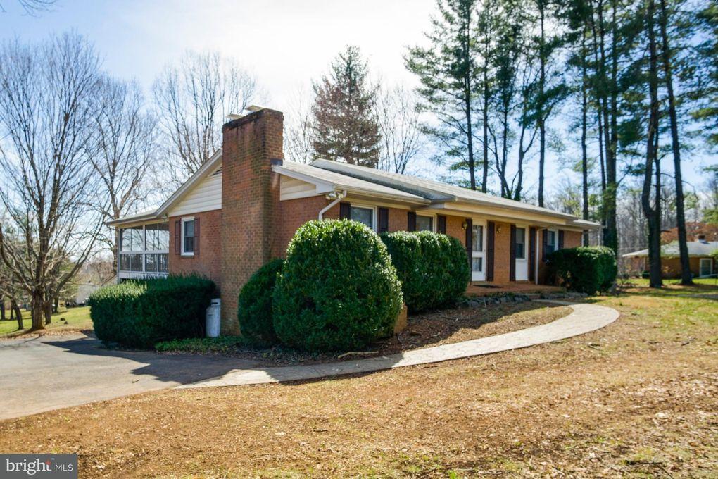 7401 Baldwin Ridge Rd, Warrenton, VA 20187