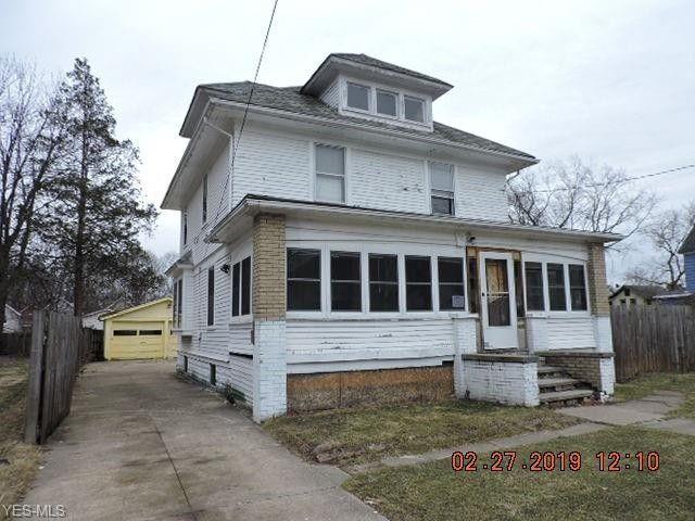 881 N Howard St, Akron, OH 44310