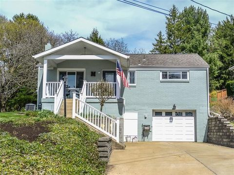 226 Hyeholde Dr, Moon Crescent Township, PA 15108