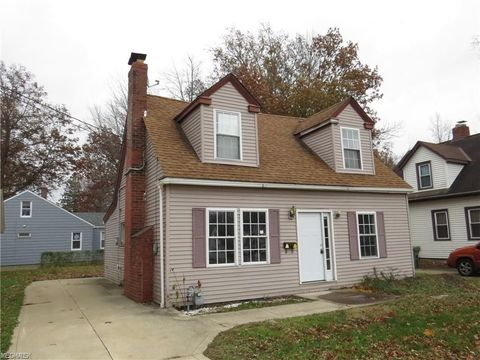 Photo of 33816 Willowick Dr, Eastlake, OH 44095