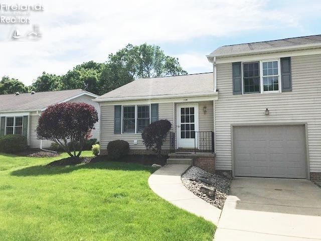 364 N Lighthouse Oval Marblehead, OH 43440
