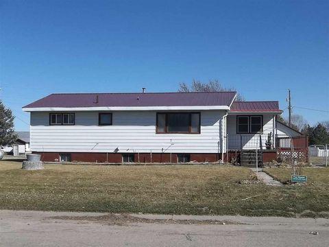 403 E St, Stapleton, NE 69163