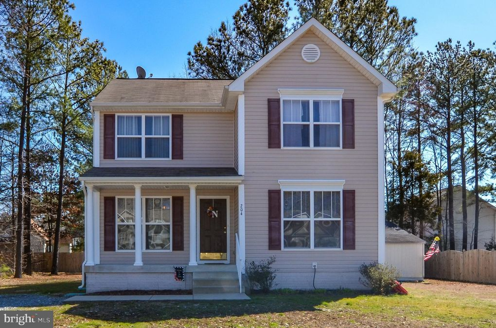204 Dogwood Ave Colonial Beach, VA 22443
