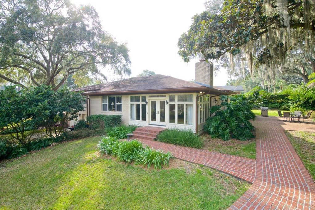 1025 Oriental Gardens Rd, Jacksonville, FL 32207