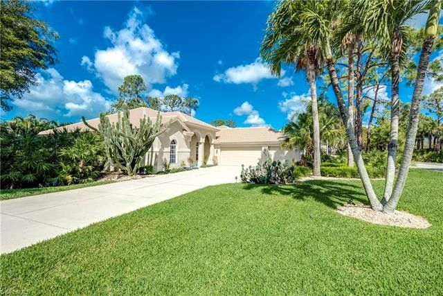 6572 Chestnut Cir, Naples, FL 34109