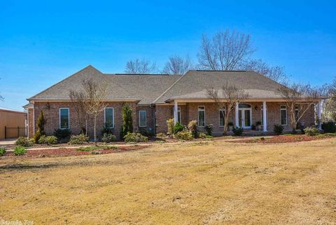 Photo of 14014 Willow Beach Rd, North Little Rock, AR 72117