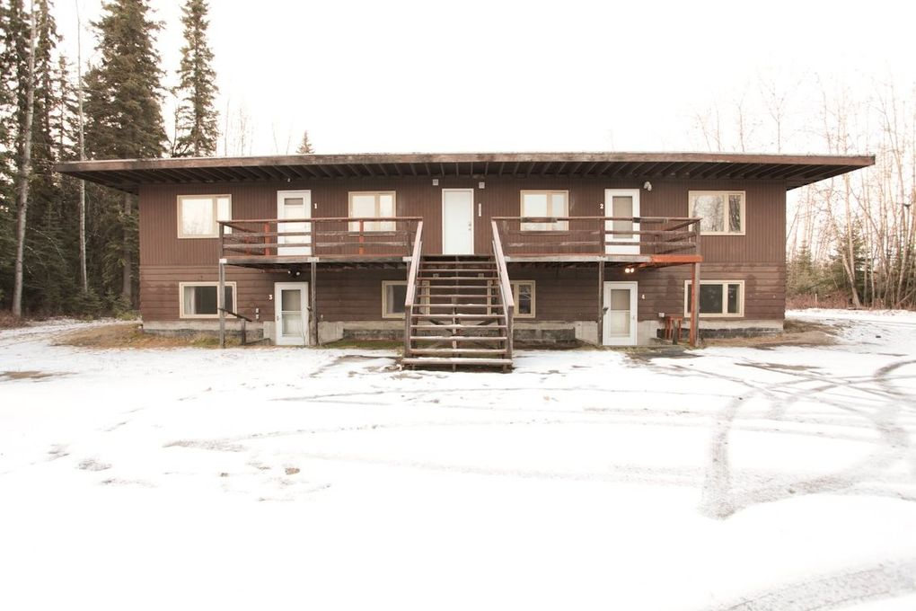 2092 Jackson St Apt 1, North Pole, AK 99705