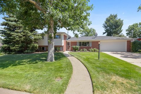 956 S Cole Dr, Lakewood, CO 80228