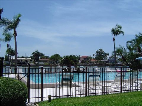 509 Plaza Seville Ct Apt 17, Treasure Island, FL 33706