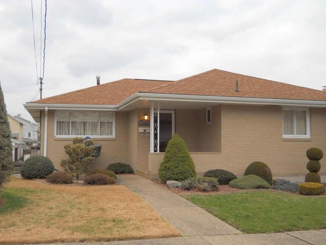 1206 oak st connellsville pa 15425 home for sale and real estate listing