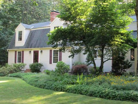 Photo of 14 Heritage Way, Exeter, NH 03833