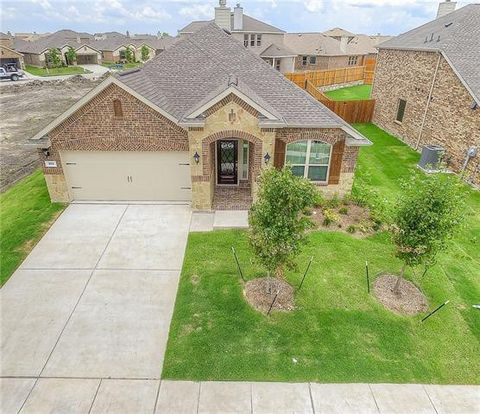 Photo of 305 Chamberlain Dr, Fate, TX 75189