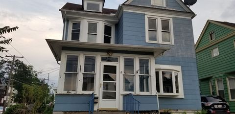 Photo of 903 W 9th St, Erie, PA 16502