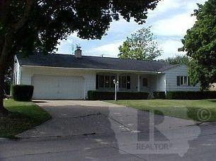 1332 Pleasant St, Osage, IA 50461