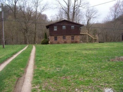 58 A River Rd, Banner, KY 41603