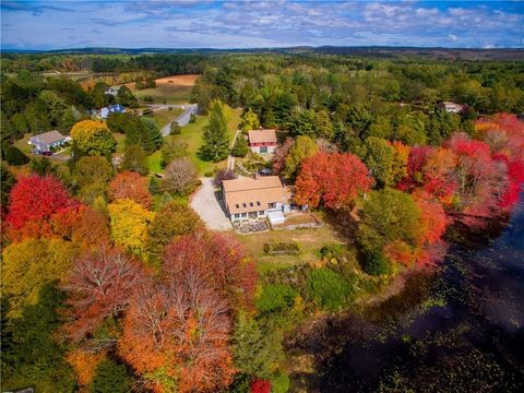 3 River Meadow Dr, Hope Valley, RI 02832
