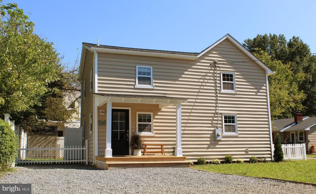 217 Vernon St Colonial Beach, VA 22443
