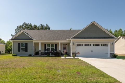 Photo of 332 Tamarack Dr, Ayden, NC 28513