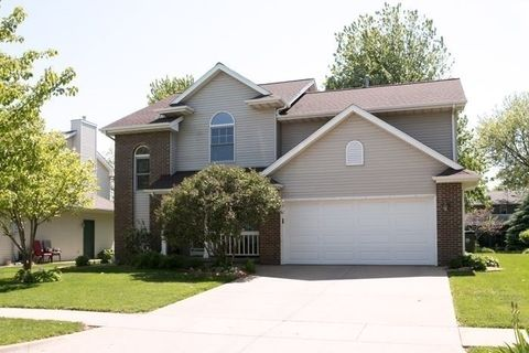 51 Heron Cir, Iowa City, IA 52245