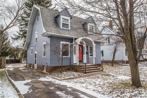 Photo of 461 Greenwood Ave, Akron, OH 44320
