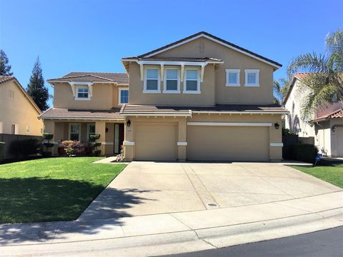 Photo of 9658 Autumn Walk Pl, Elk Grove, CA 95757