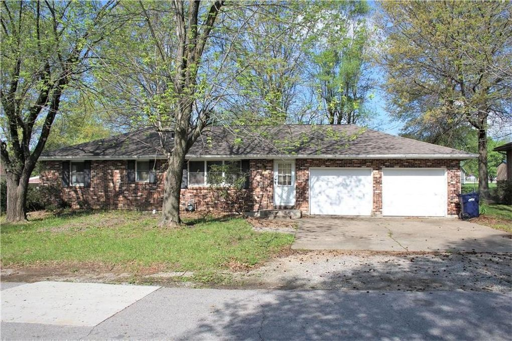 106 S Maple St Sweet Springs, MO 65351