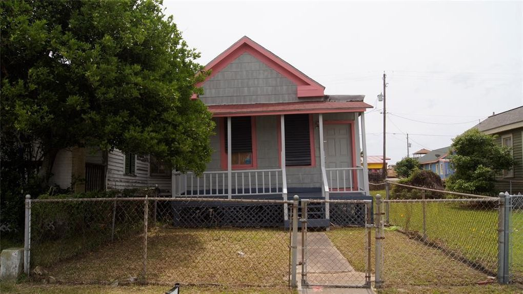 2909 Avenue R, Galveston, TX 77550