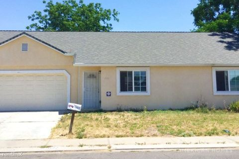 Photo of 1122 Bowie Ave, Modesto, CA 95351