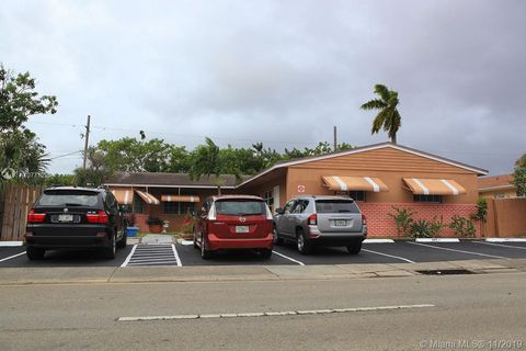Photo of 5881 Ne 18th Ave Apt 4, Fort Lauderdale, FL 33334