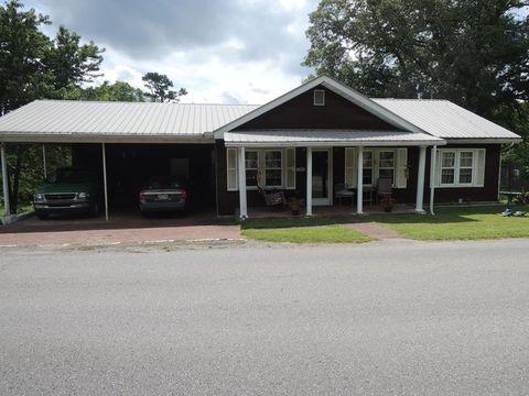 Photo of 334 White Oak St, Jamestown, TN 38556