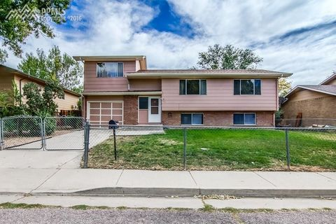 607 Syracuse St, Colorado Springs, CO 80911