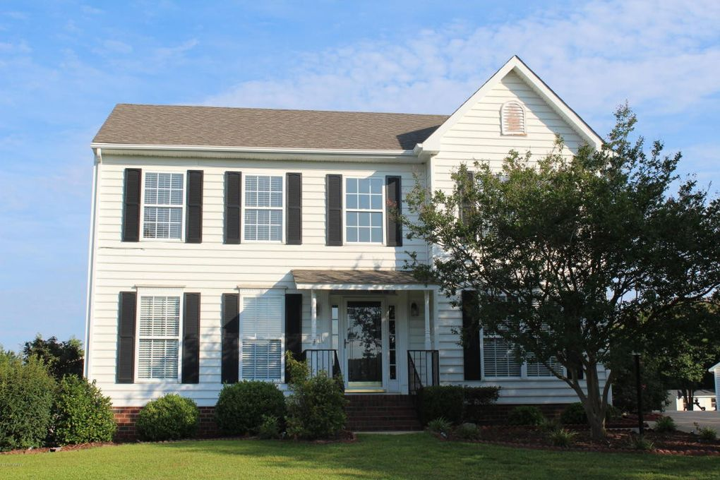 2103 Old Courthouse Dr, Greenville, NC 27858