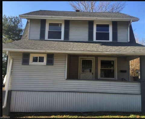 322 Parsons Ave, Lowellville, OH 44436