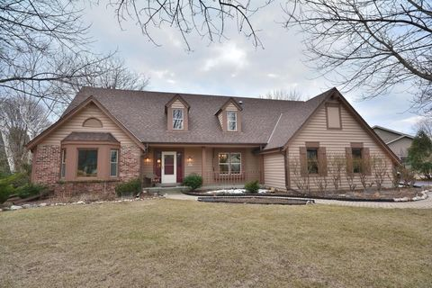 N26 W22619 Oakwood Ln Waukesha WI 53186 Single Family Home