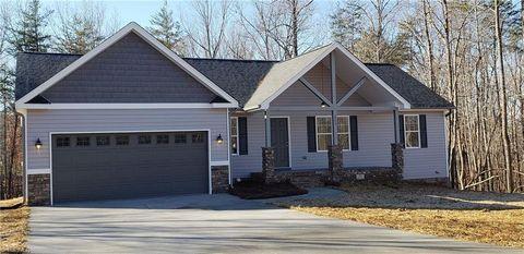323 Price St, Stoneville, NC 27048