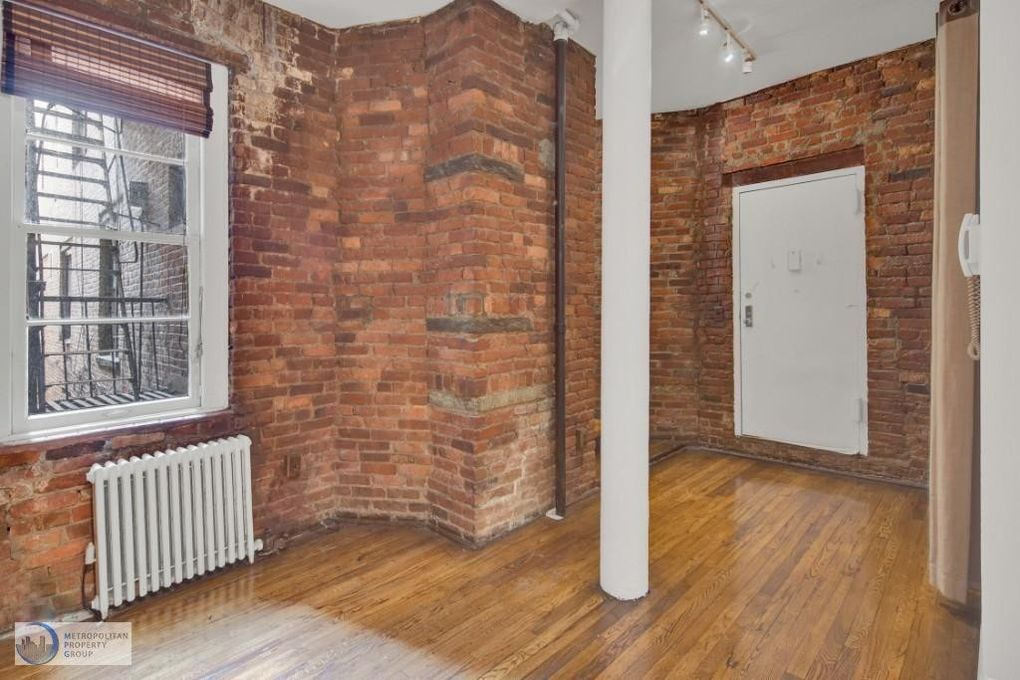 57 Thompson St Apt 1 B, New York, NY 10012