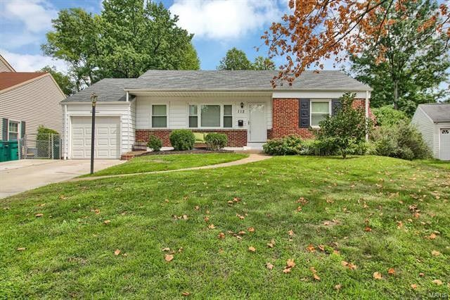 112 Turf Ct Webster Groves MO 63119