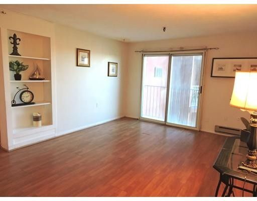 115 w squantum st apt 915 quincy ma 02171 for Kitchen cabinets quincy ma