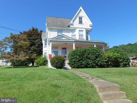 Photo of 203 Easton Rd, Riegelsville, PA 18077