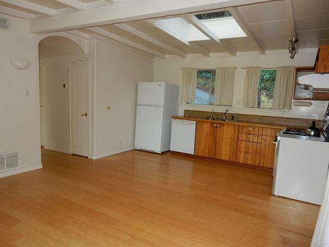 140 Francis Ave, Fairfax, CA 94930