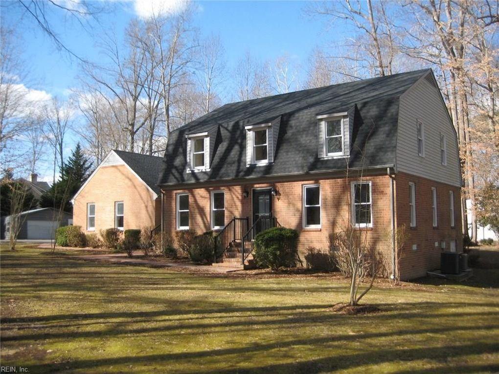 5862 Hillside Dr, Gloucester County, VA 23061