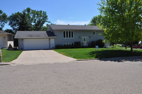 702 Foster Ave Nw, Cooperstown, ND 58425