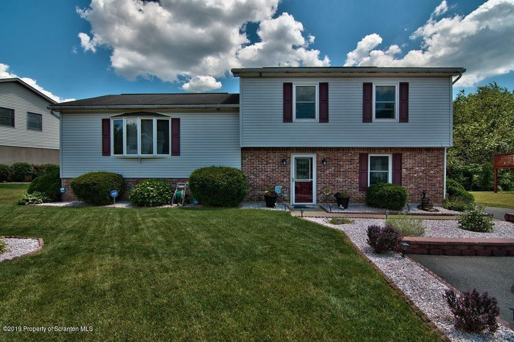 223 Ontario Ave, Archbald, PA 18403
