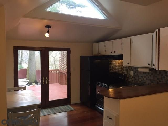 Superieur 302 Whitehall Rd E, State College, PA 16801