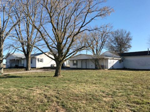 Photo of 1330 County Road 1125 N, Fairfield, IL 62837