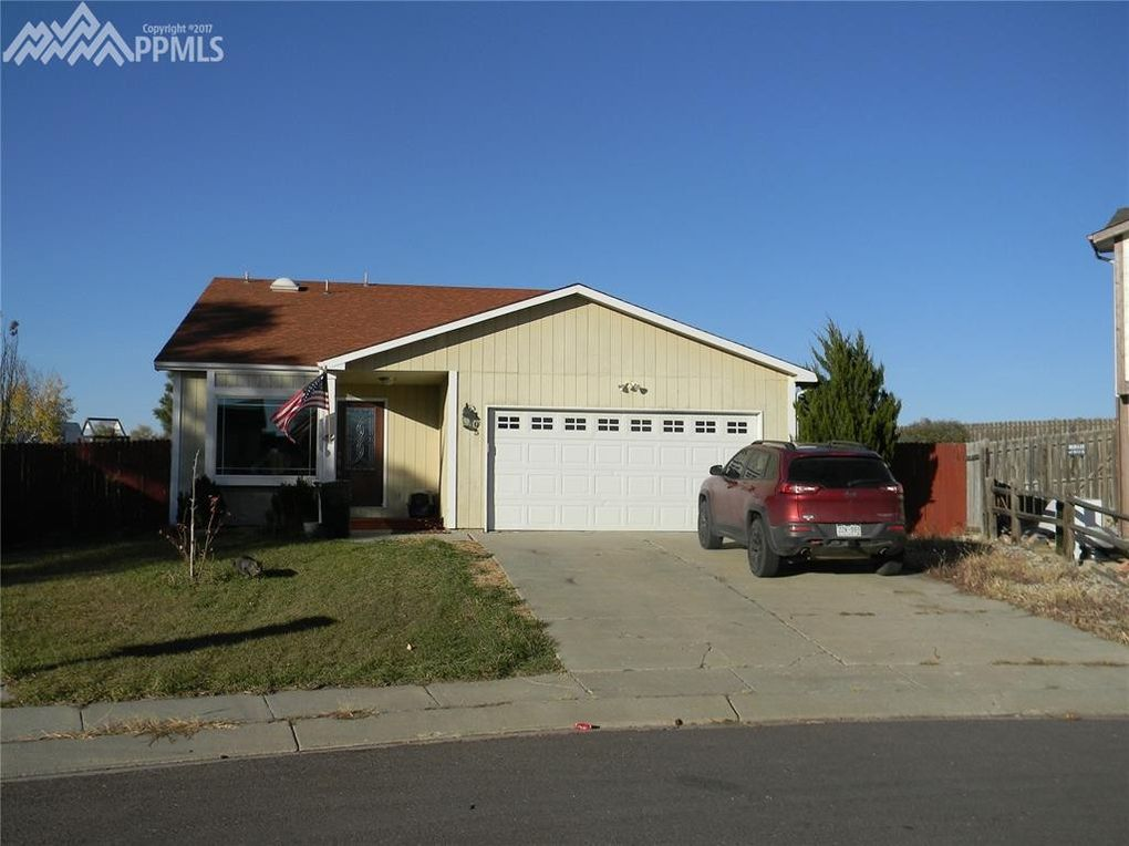 105 Patchwork Ct, Fountain, CO 80817