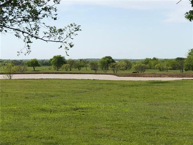 1664 Airport Rd, Tioga, TX 76271