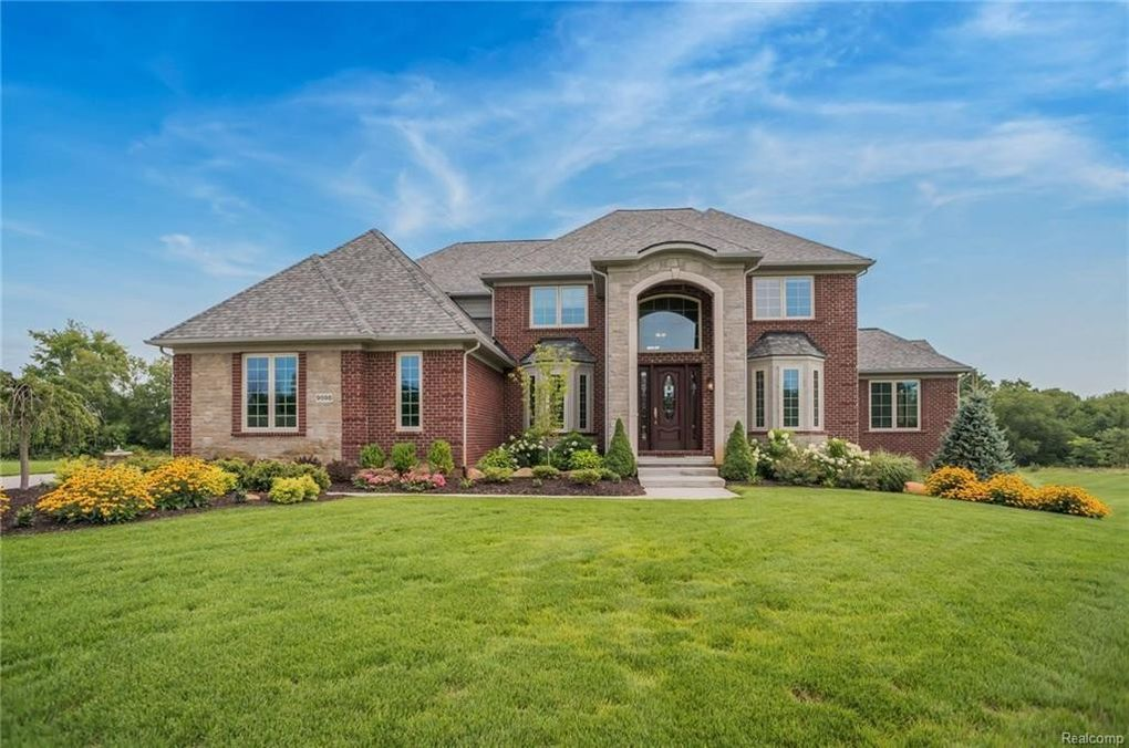9598 Meadow View Ct, Northville, MI 48167 - realtor.com®